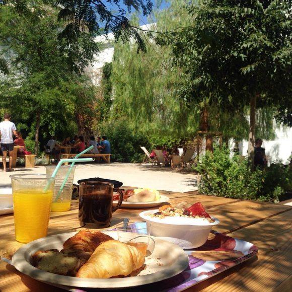 déjeuner terrasse café Montpellier
