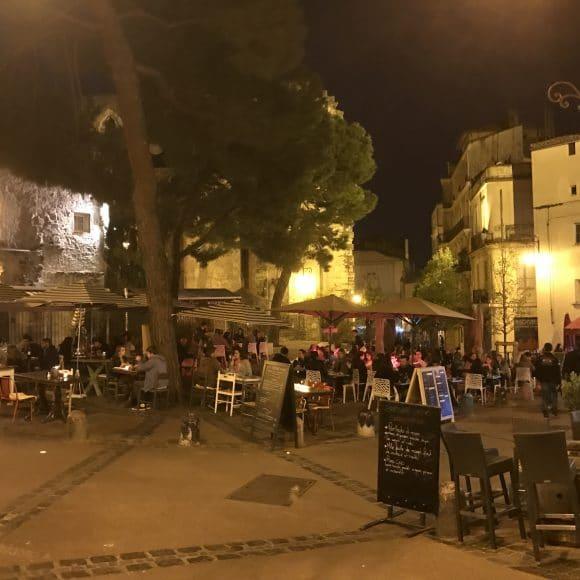 Place st Roch la nuit - AEF - Hébergement chez l'habitant à Montpellier